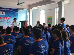 Ông Rin trả lời câu hỏi của bạn Nguyễn Ngọc Thạch về chương trình đào tạo của Học viện Nagoya