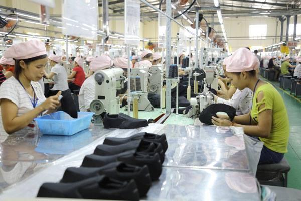 Tuyển dụng lao động giày da