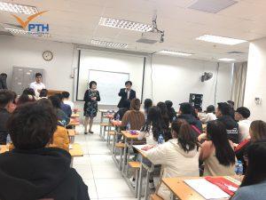 Học viên nghe phổ biến về văn hóa, luật pháp Nhật Bản